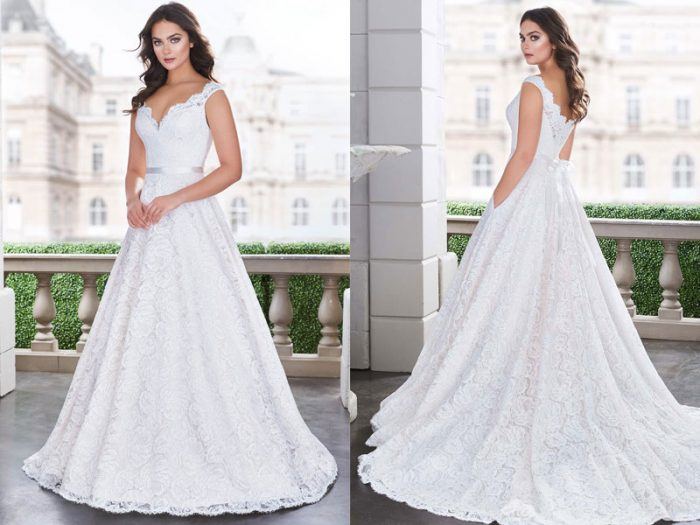 Featured Gown Style 4861 02